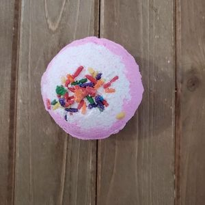 Birthday Cake Bath Bombs XL 5 Ounces Shopp Bomb